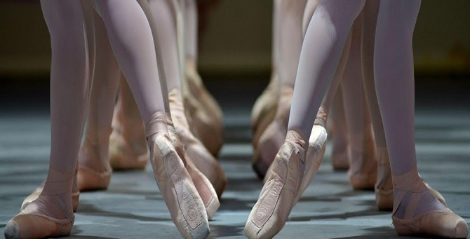 Sickled Feet In Ballet: What Does It Mean When A Ballerina Sickles?
