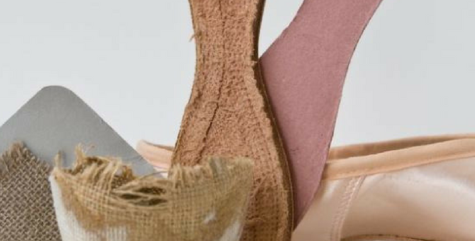How many parts does a pointe shoe have?