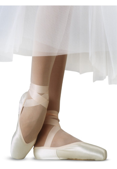 ANIMA POINTE SHOES BY R-CLASS