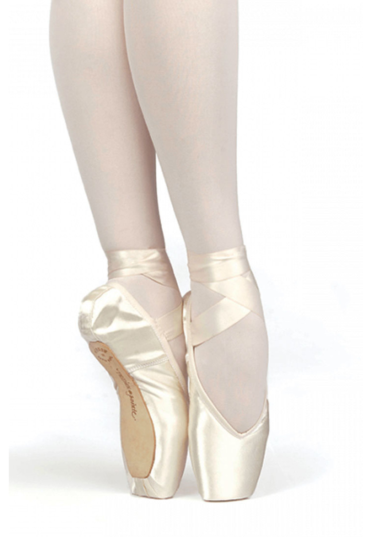 BRAVA OUTLET POINTE SHOES BY RUSSIAN POINTE 1