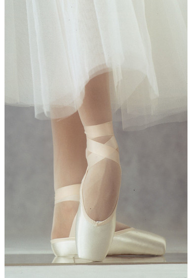 GRANDE OUTLET POINTE SHOES BY R-CLASS