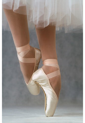 ELEGANCE OUTLET POINTE SHOES BY R-CLASS