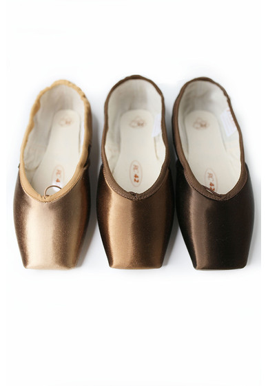 POINTE SHOES FOR ALL SKIN TONES