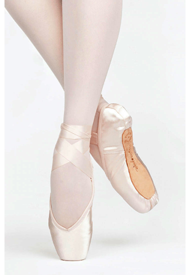 ENCORE POINTE SHOES BY RUSSIAN POINTE 1